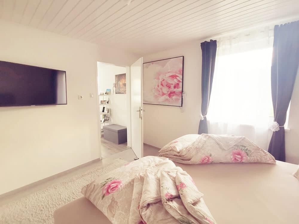 Schlafzimmer-2-Ansicht-Treissmann-Ferienhaus
